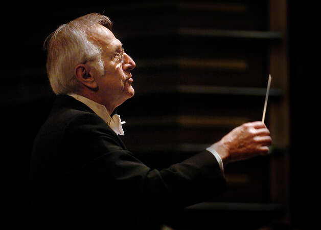 After more than 40 years as conductor of the Greater Bridgeport Symphony, Gustav Meier, seen here in 2007, is retiring. Photo: File Photo Whitney Kidder-Alvare, File Photo / Connecticut Post File Photo