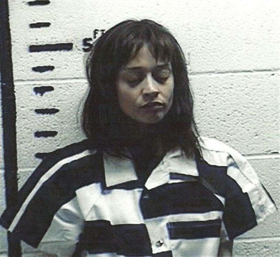 This handout photo provided by the Hudspeth County Sheriff's Office shows Fionna Apple.  The singer-songwriter was arrested for hashish possession in  Sierra Blanca after a Border Patrol drug-sniffing dog detected marijuana  in her tour bus. (AP Photo/Hudspeth County  Sheriff's Office) / AP2012
