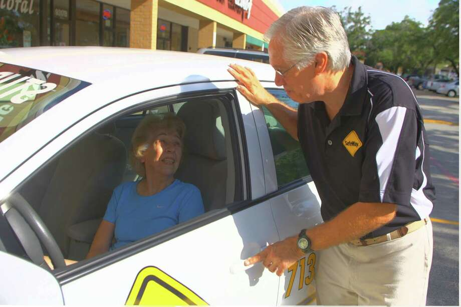 SAFELY ON THE ROAD AGAIN: Doris Wilson, age 84, talks with instructor Rich Harmon of SafeWay Driving Centers, which offers programs for seniors to brush up on their driving skills.