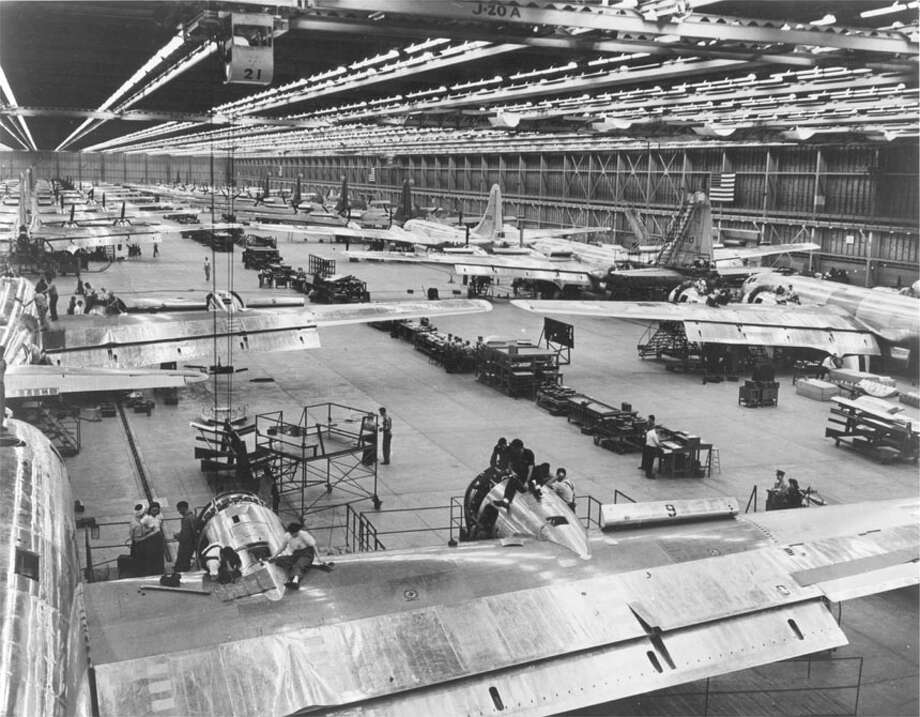 Looking east toward the great door at end of main assembly lines, Boeing B-29s. Photo: U.S. Air Force Historical Research Agency