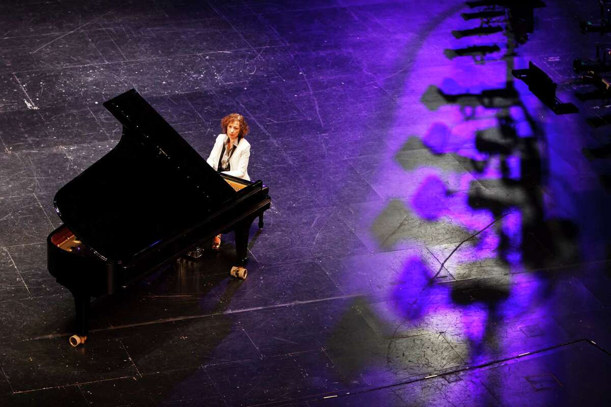 """Sarah Rothenberg, pianist and artistic director of Da Camera, poses for a portrait at the Wortham Theater Center, Tuesday, Sept. 18, 2012, in Houston. Rothenberg will perform during Da Camera's """"Opening Night: 25th Anniversary Celebration"""". ( Michael Paulsen / Houston Chronicle )"""