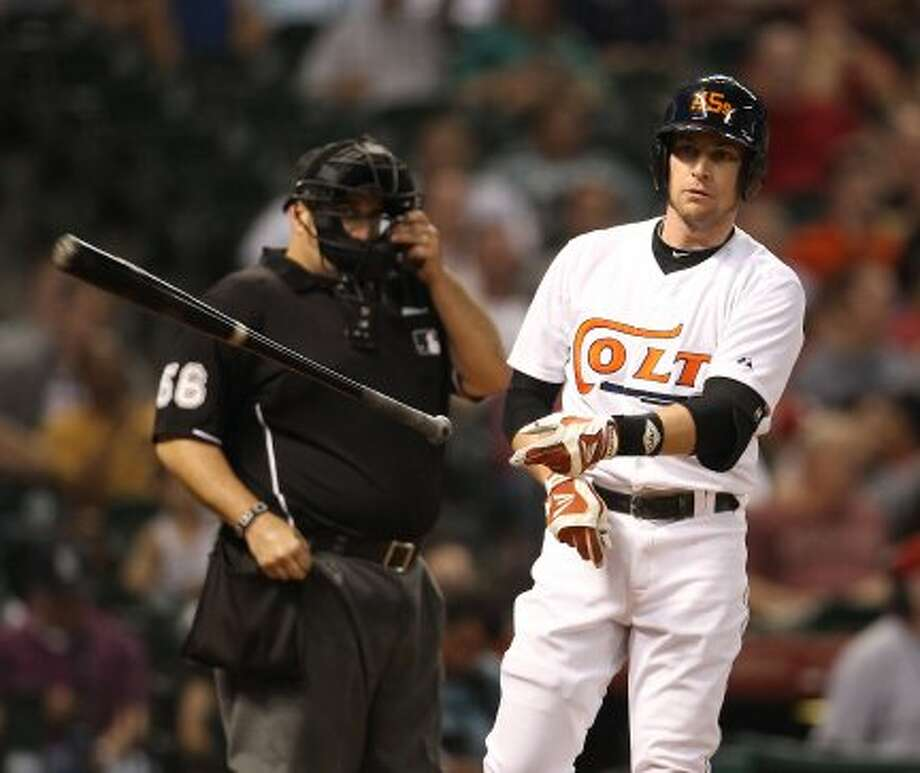 Jed Lowrie (4) reacts after striking out to end during third inning. (Karen Warren / Houston Chronicle)