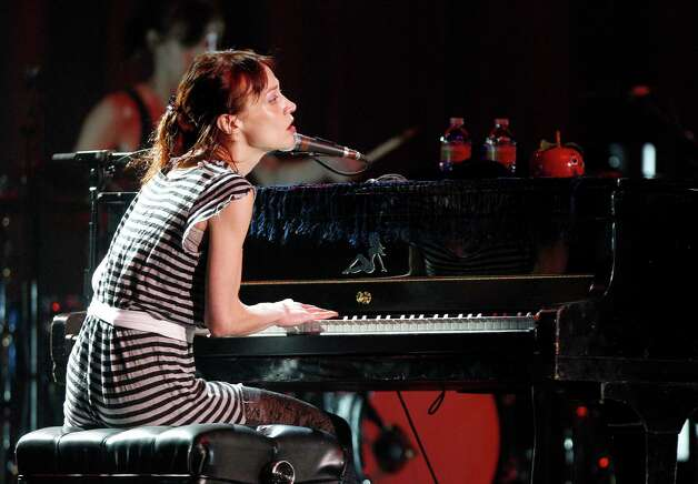 Fiona Apple was sure feeling like a criminal after her border arrest in Texas.  Photo: Thomas B. Shea / © 2012 Thomas B. Shea