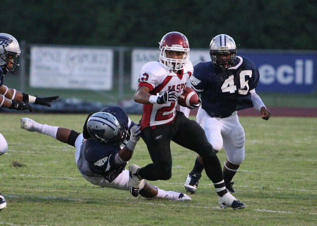 Jasper running back Donavan Middleton rushes during the game Friday against West Orange-Stark at Dan R. Hook Stadium in West Orange. Photo: Matt Billiot