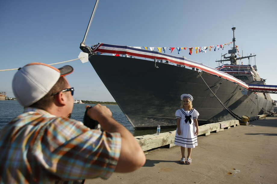The USS Fort Worth is presented for commissioning in Galveston. The ship and its crew eventually will sail from San Diego. (Johnny Hanson/Chronicle)