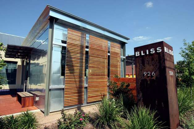 Chef Mark Bliss opened Bliss restaurant in a former Humble Oil gas station in Southtown. Photo: HELEN L. MONTOYA, E-N Archive / ©SAN ANTONIO EXPRESS-NEWS
