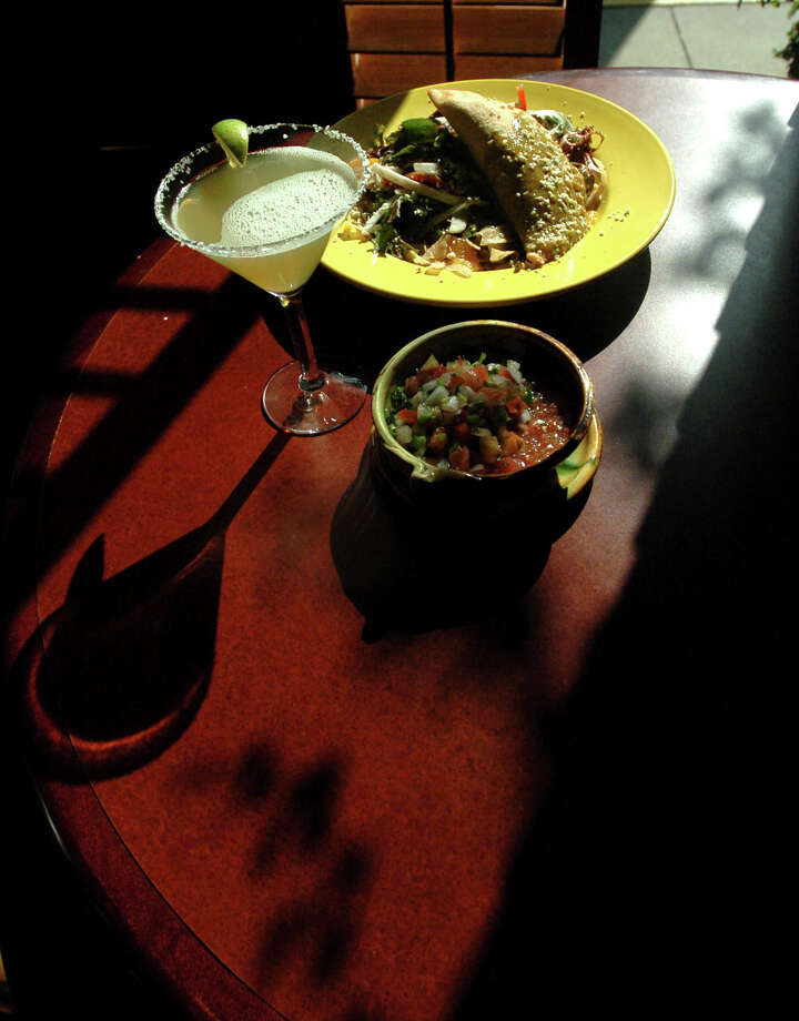 Loyal customers have been flocking to Southtown's El Mirador, 722 S. Saint Mary's Street, for 45 years. Photo: BETH SPAIN, E-N Archive / SAN ANTONIO EXPRESS-NEWS