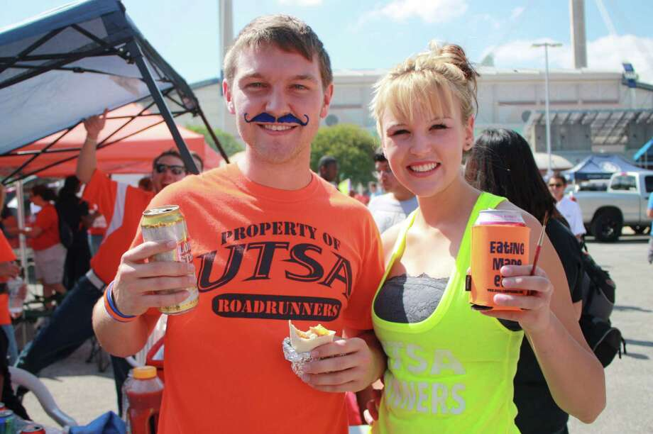 UTSA fans for the Northwestern Oklahoma State game on Saturday, Sept. 22, 2012. Photo: MySanAntonio.com