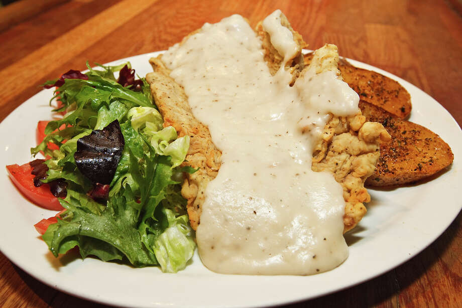 The Country Chicken Fried Steak is among La Tuna Grill's house specialties. The restaurant, at 100 Probandt St., is a Southtown favorite. Photo: MARVIN PFEIFFER, E-N Archive / Prime Time Newspapers 2010