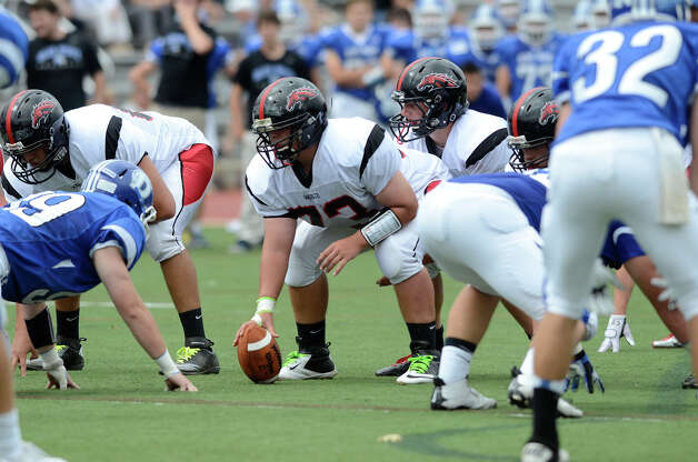 Darien High School hosts Fairfield Warde High School in varsity football in Darien, CT on Sept. 22, 2012. Photo: Shelley Cryan / Shelley Cryan for the Stamford Advocate/ freelance Shelley Cryan