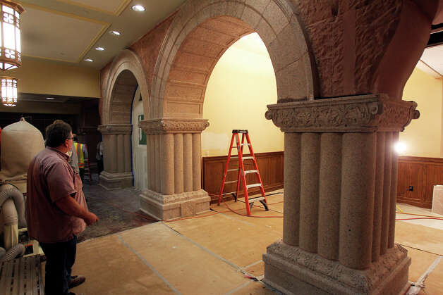 Craftsmen finish carving the entrance columns for the civil courts as Bexar County Courthouse renovations continue on September 21, 2012. Photo: Tom Reel, San Antonio Express-News / ©2012 San Antono Express-News