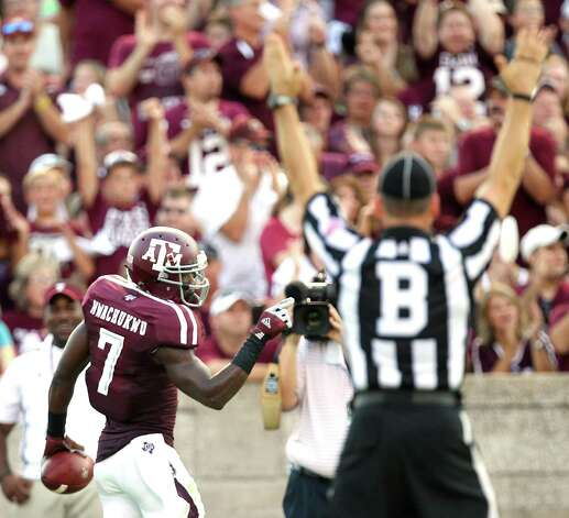 Texas A&M University wide receiver Uzoma Nwachukwu (7) celebrates his touchdown catch during the first quarter of a NCAA football game against South Carolina State University, Saturday, Sept. 22, 2012, in College Station. Photo: Nick De La Torre, Houston Chronicle / © 2012 Houston Chronicle