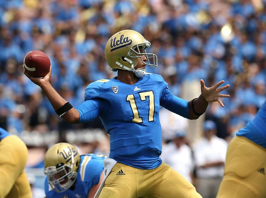 UCLA redshirt freshman Brett Hundley passed for 372 yards and a touchdown against Oregon State. Photo: Stephen Dunn, Getty Images