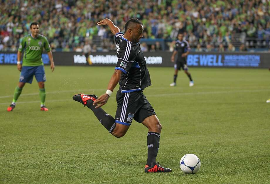 Victor Bernardez set up Chris Wondolowski's goal with this low pass from the far post at the 30-minute mark. Wondolowski had an easy tap-in. Photo: Otto Greule Jr, Getty Images
