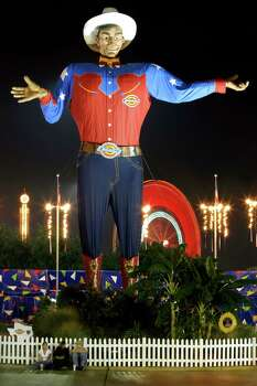 Big Tex welcomes evening visitors to the State Fair of Texas, Tuesday, Oct. 11, 2005, in Dallas. The State Fair runs through Oct. 23, 2005. Photo: MATT SLOCUM, AP / AP