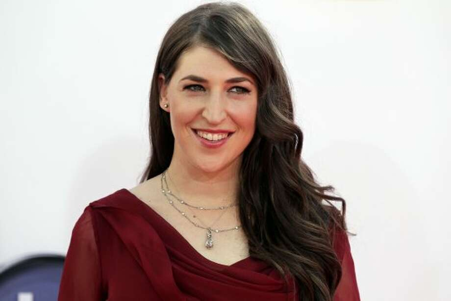 """Mayim Bialik  What is this thing called """"sleeves""""?(Matt Sayles / Associated Press)"""