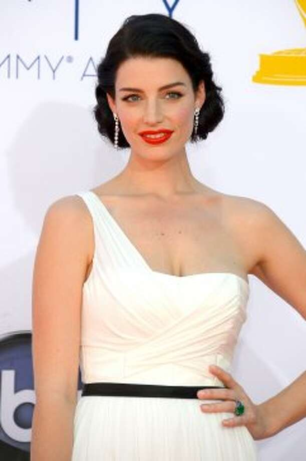 Actress Jessica Pare arrives at the 64th Annual Primetime Emmy Awards at Nokia Theatre L.A. Live on September 23, 2012 in Los Angeles, California.  (Frazer Harrison / Getty Images)