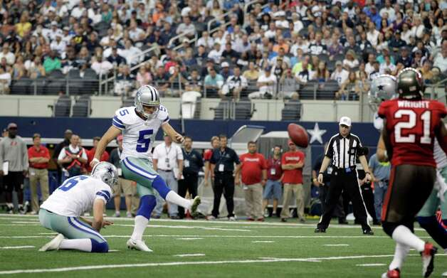 Dallas Cowboys kicker Dan Bailey (5) kicks a field goal during the second half of an NFL football game against the Tampa Bay Buccaneers , Sunday, Sept. 23, 2012 in Arlington, Texas. (AP Photo/Tim Sharp) Photo: Tim Sharp, Associated Press / FR62992 AP
