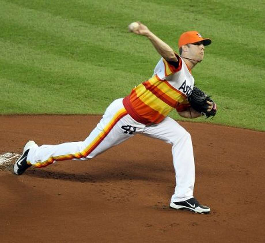Astros pitcher Jordan Lyles throws a pitch during the first inning. (Nick de la Torre / © 2012 Houston Chronicle)