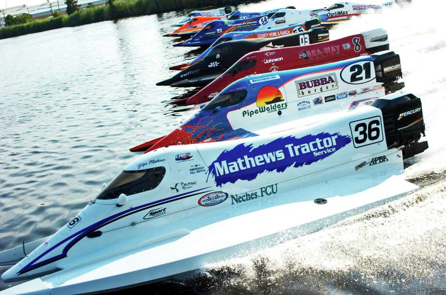 Formula 1 boats pull away from the starting line Sunday in the final event of the Tunnel Boat Races in Orange. Photo: Sarah Moore