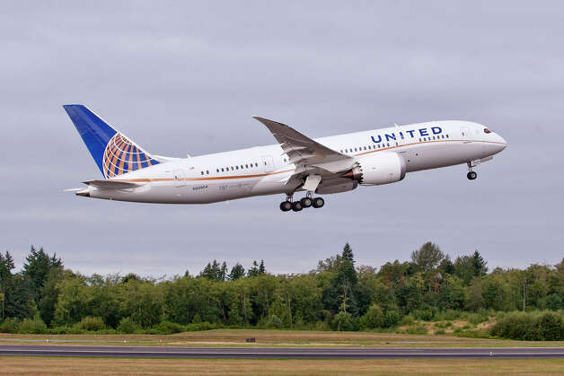 United Airlines' first Boeing 787 Dreamliner takes off from Paine Field, in Everett, Wash. Photo: Matthew Thompson/The Boeing Co., Matthew Thompson/The Boeing Corp.