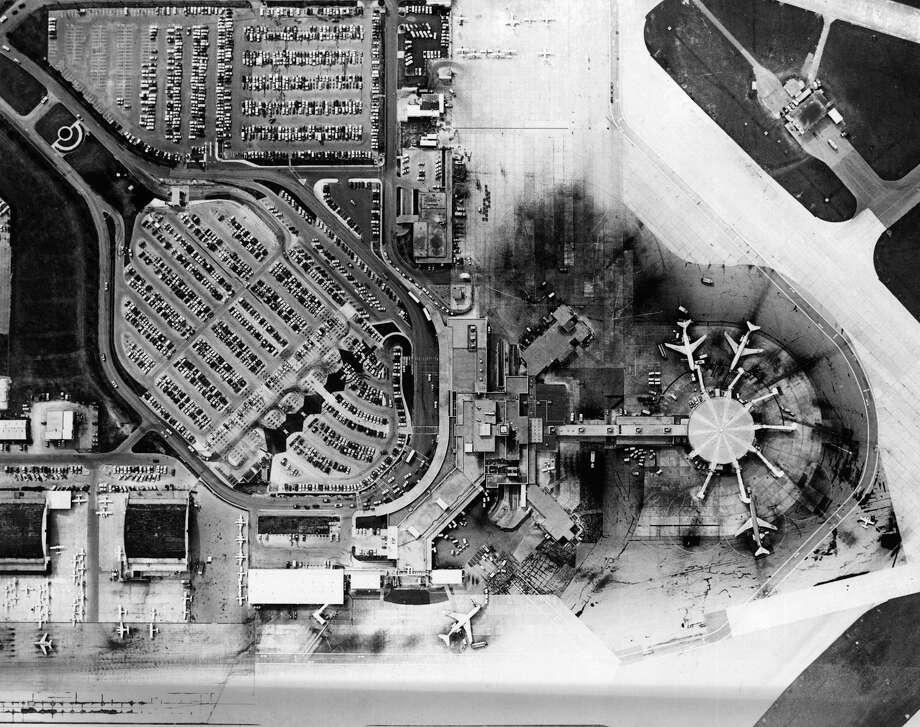 Aerial of San Antonio International Airport. March  7, 1980 Photo: COURTESY PHOTO