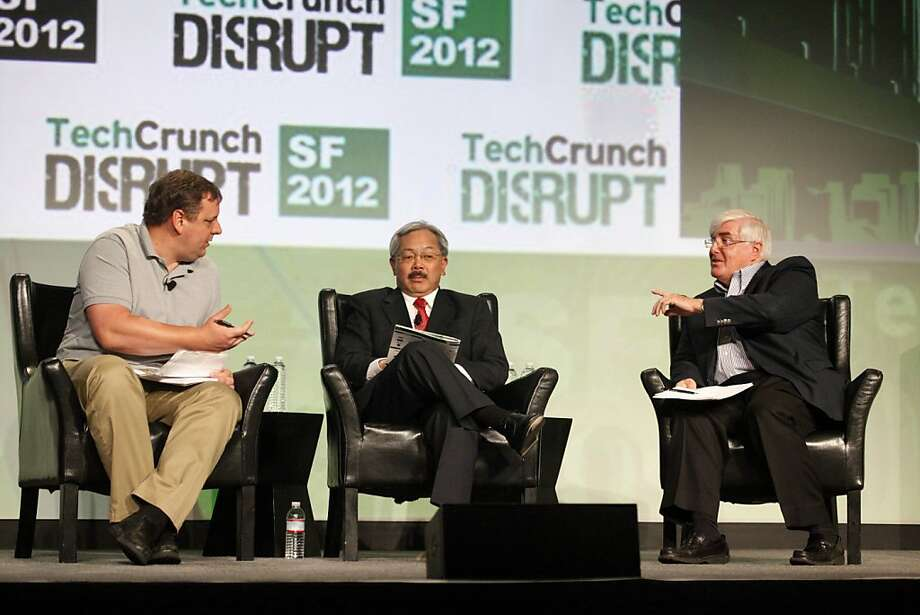 S.F. Mayor Ed Lee (center) speaks with TechCrunch's Michael Arrington (left) and investor Ron Conway Sept. 11, when he announced Innovation Month. Photo: Lea Suzuki, The Chronicle