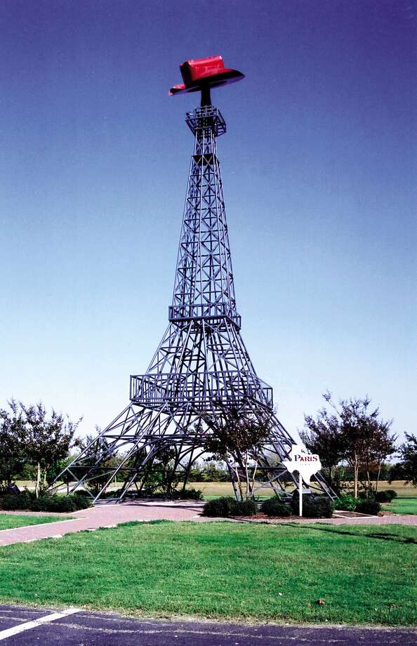 KRT TRAVEL STORY SLUGGED: UST-PARIS KRT PHOTOGRAPH BY ANDREW MARTON/FORT WORTH STAR TELEGRAM (DALLAS OUT) (November 14) Tower with Chapeau.. er hat in Paris, Texas. (nk) 2004 Photo: ANDREW MARTON / FORT WORTH STAR-TELEGRAM