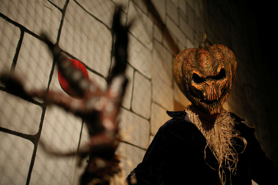 James Escobar is one of many original characters at Nightmare on Grayson in San Antonio on Thursday, Oct. 18, 2007. Photo: LISA KRANTZ, SAN ANTONIO EXPRESS-NEWS / SAN ANTONIO EXPRESS-NEWS
