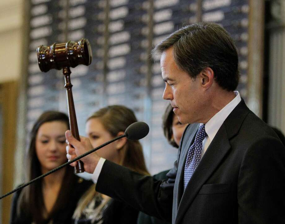 House Speaker Joe Straus, R-San Antonio, strikes the gavel opening the session of the 82nd Texas  Legislature Jan. 11, 2011. Photo: Eric Gay / AP