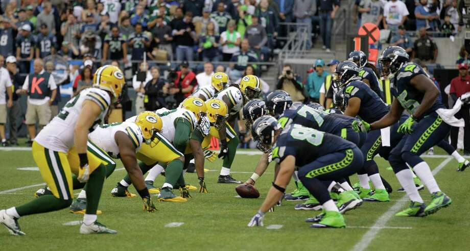 Green Bay Packers and Seattle Seahawks face off in the first half of an NFL football game, Monday, Sept. 24, 2012, in Seattle. Photo: AP