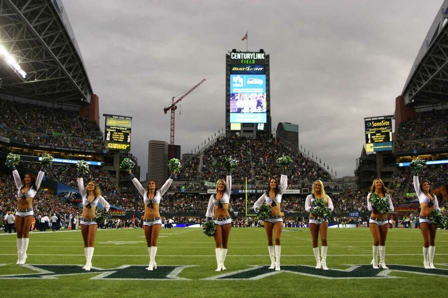 Seattle Seahawks Seagals perform as the Hawks take on the Green Bay Packers.
