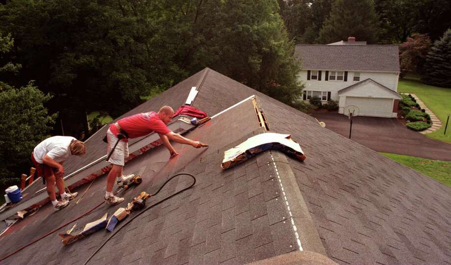 5. Roofers are involved in fatal workplace incidents at a rate of 31.8 per 100,000 full-time workers. Photo: VICKI VALERIO, DM / PHILADELPHIA INQUIRER