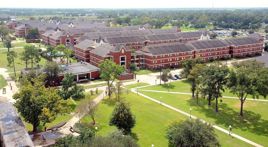 Lamar Universityís economic impact in the Beaumont area is $263 million and more than 3,800 jobs per year, according to an evaluation by economist M. Ray Perryman, who on Tuesday will be unveiling the details of his study at the university. Perryman was asked to study the universityís impact at the same time he was evaluating the impact of the Sabine-Neches Waterway on the economy of Southeast Texas. Guiseppe Barranco/The Enterprise Photo: Guiseppe Barranco / Beaumont
