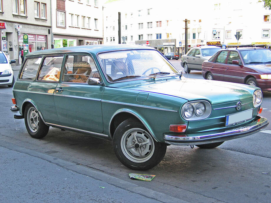 46. 1968 Volkswagen 411/412 -- This rear-mounted car was so terrible that Volkswagen ditched it and started building a new model -- the Passat. (Photo: Sven Storbeck, Wikipedia)