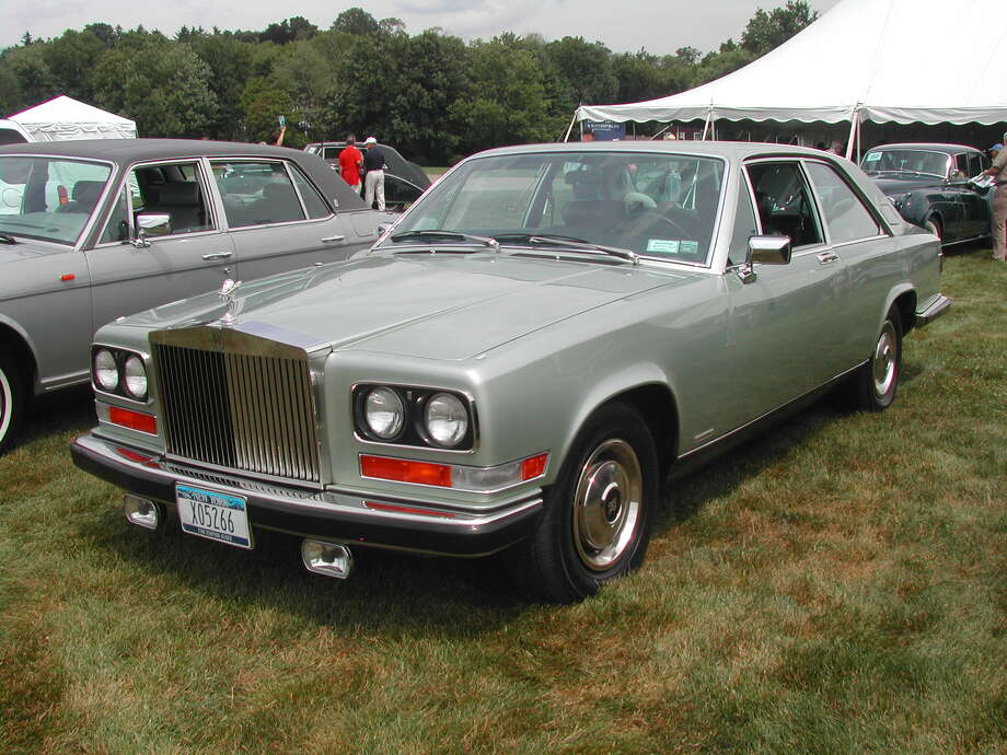 44. 1975 Rolls-Royce Camargue -- Yeah, Rolls-Royce can make a bad car. The car lost points in the style department, and it didn't win any with what was under the hood. (Photo: Jagvar, Wikipedia)