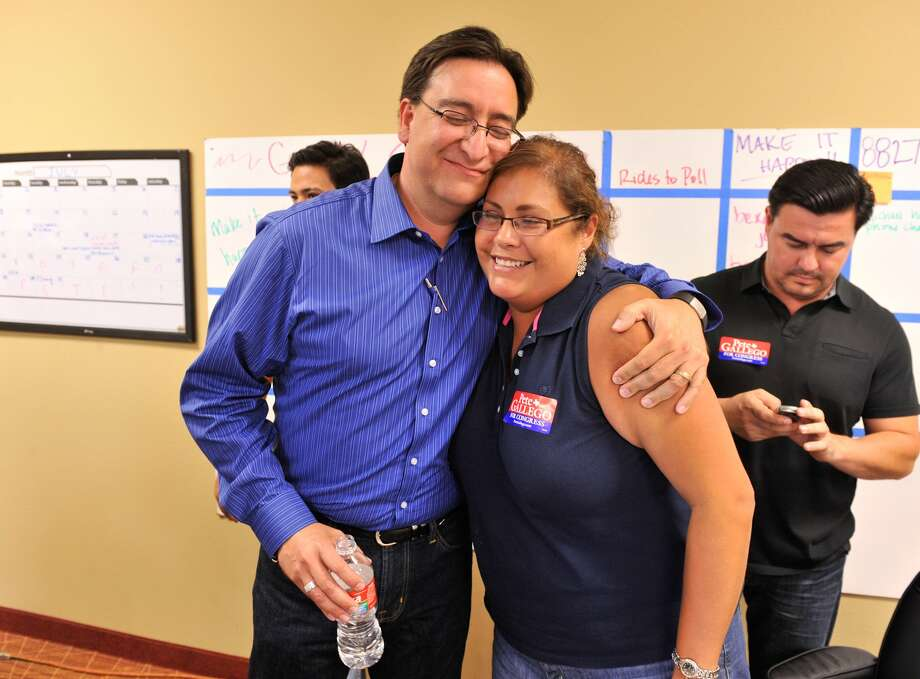 SLUG; us house dist 23-AssignID 442867-July 31, 2012-San Antonio, Texas---Democratic Congressional candidate Pete Gallego gets a hug from former city council person Jennifer Ramos. (Robin Jerstad / Robin Jerstad)