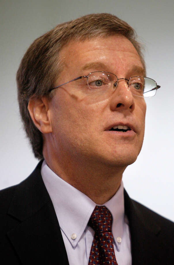 This is a March 13, 2008 photo of Bob Dugas, who was president aand CEO of Goodwill San Antonio.He resigned on Sept. 25, 2012. Photo: WILLIAM LUTHER, SAN ANTONIO EXPRESS-NEWS / SAN ANTONIO EXPRESS-NEWS