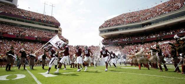 Texas A&M hits the field for its Southeastern Conference debut against Florida on Sept. 8. Photo: Nick De La Torre, Houston Chronicle / © 2012  Houston Chronicle