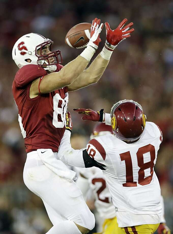 Zach Ertz leads Stanford in receiving yards with 146. Photo: Marcio Jose Sanchez, Associated Press