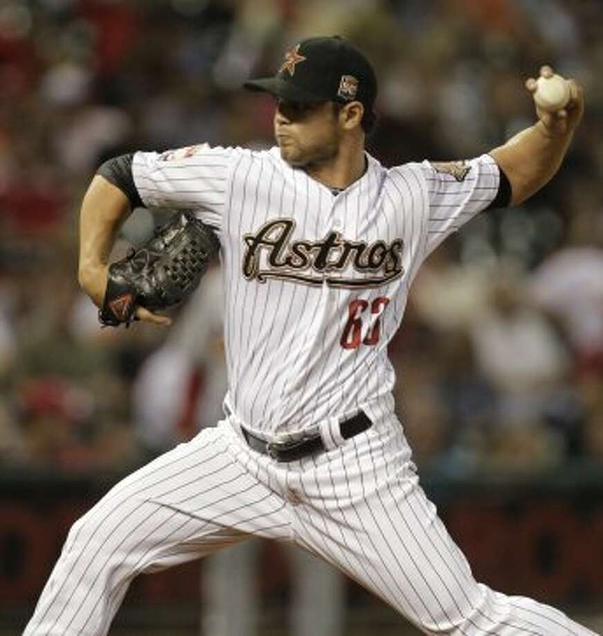Xavier Cedeno hurls a pitch in the sixth inning. (Melissa Phillip / © 2012 Houston Chronicle)