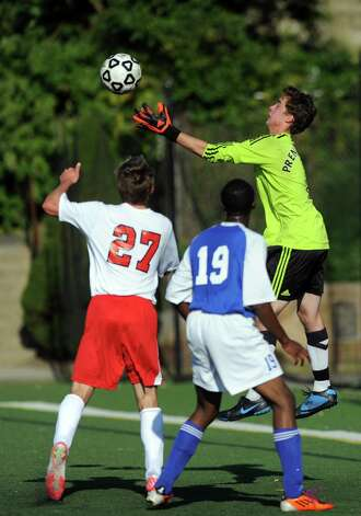 Fairfield Prep boys soccer versus West Haven Tuesday, Sept. 25, 2012 in Fairfield, Conn. Photo: Autumn Driscoll / Connecticut Post