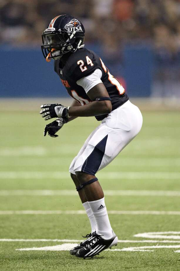 "UTSA's Darrien Starling says he wants to come out with a ""big bang"" at New Mexico State after totaling only three tackles. Photo: Courtesy Photo, Jeff Huehn / ©2011 Jeff Huehn"