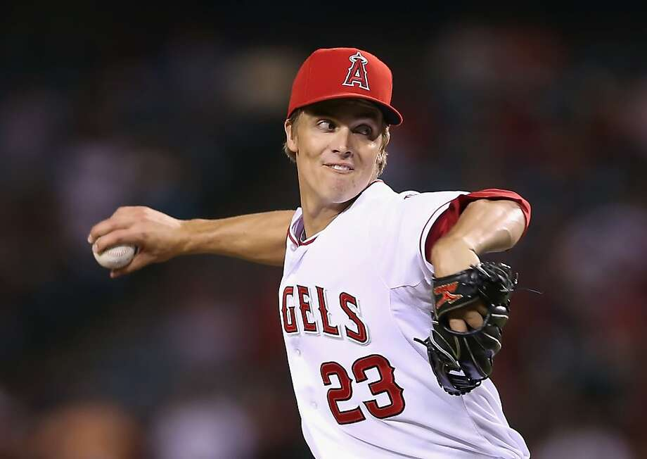 Zack Greinke #23 of the Los Angeles Angels of Anaheim pitches against the Seattle Mariners in the fifth inning at Angel Stadium. Photo: Jeff Gross, Getty Images