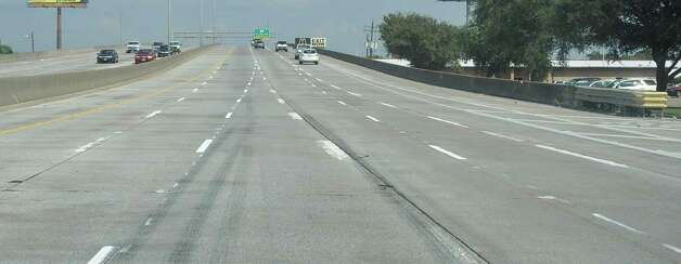 New lane striping on Interstate 10 before the MLK exit, east bound