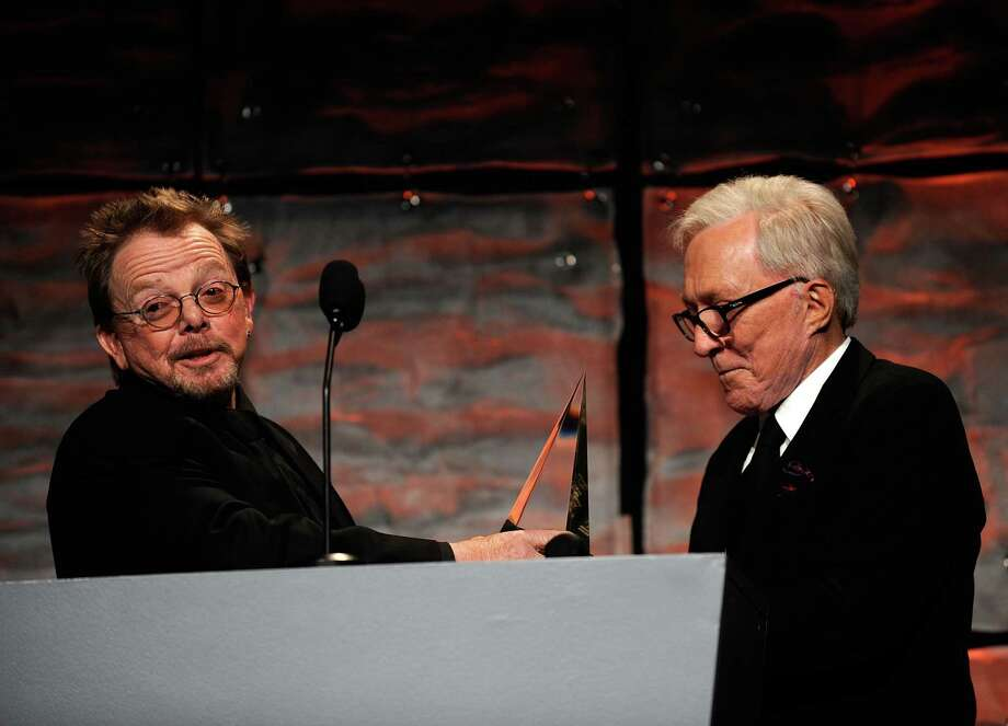 NEW YORK - JUNE 18:  Singer/songwriters Paul Williams and Andy Williams on stage during the 40th Annual Songwriters Hall of Fame Ceremony at The New York Marriott Marquis on June 18, 2009 in New York City.  (Photo by Larry Busacca/Getty Images for  Songwriters Hall of Fame) *** Local Caption *** Paul Williams;Andy Williams Photo: Larry Busacca, Getty Images For  Songwriters Ha / 2009 Getty Images