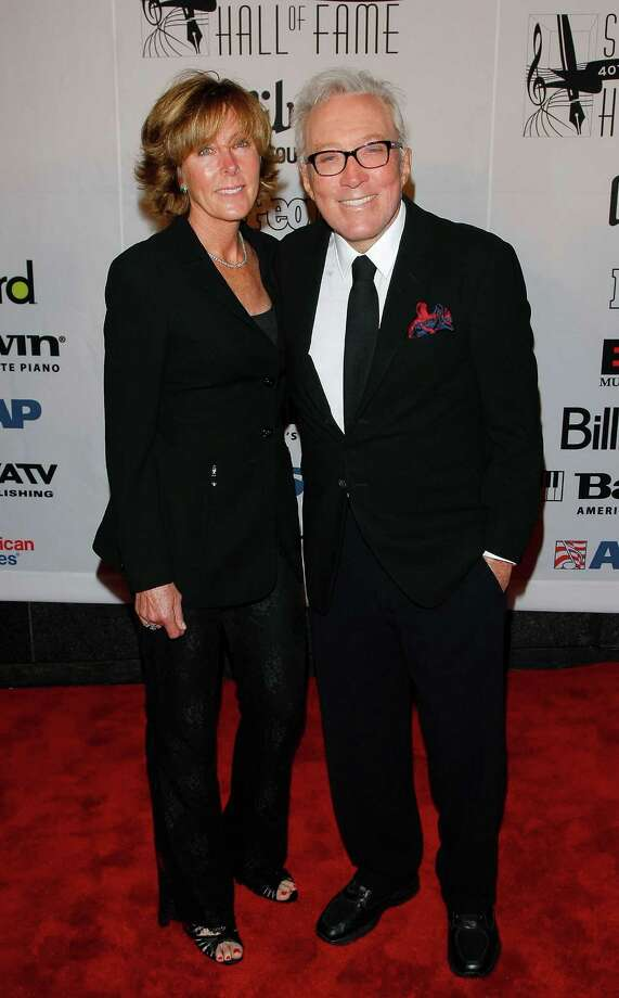 NEW YORK - JUNE 18:  Singer Andy  Williams and wife Debbie Williams walk the red carpet during the 40th Annual Songwriters Hall of Fame Ceremony at The New York Marriott Marquis on June 18, 2009 in New York City.  (Photo by Jemal Countess/Getty Images for Songwriters Hall of Fame) *** Local Caption *** Andy Williams Photo: Jemal Countess, Getty Images For Songwriters Hal / 2009 Getty Images