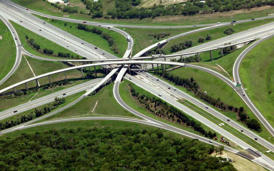 San Antonio's I-37.Similar to rural I-27, I-37 runs for 143 milesbetween San Antonio and Corpus Christi,but sees nearly 42,000 vehicles daily on its urban sections and about 64,200 vehicles on its rural sections.Source:Federal Highway Administration Photo: William Luther, San Antonio Express-News / © 2012 San Antonio Express-News