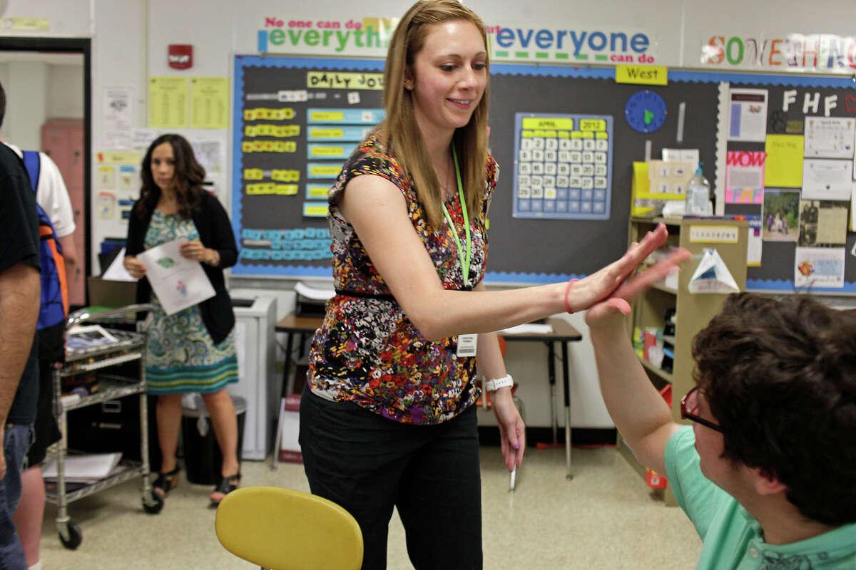 11. Clark High School , Northside I.S.D.Student-teacher ratio: 18:1College readiness: 38.1 percentState rank:139