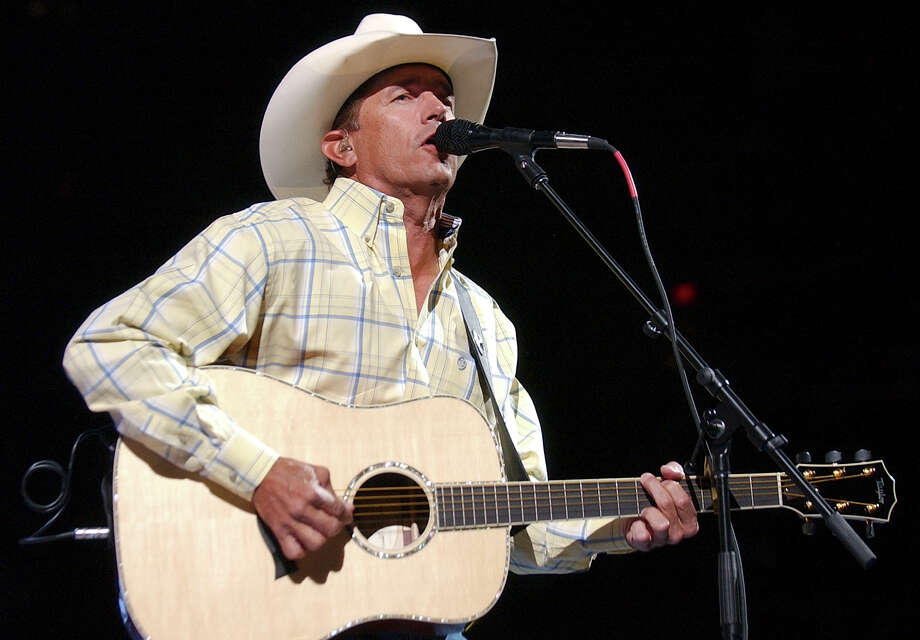 George Strait performs Saturday May 27, 2006 at the AT&T Center. Photo: EDWARD A. ORNELAS, SAN ANTONIO EXPRESS-NEWS / SAN ANTONIO EXPRESS-NEWS